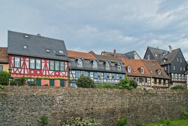 Fachwerkhäuser an der Stadtmauer
