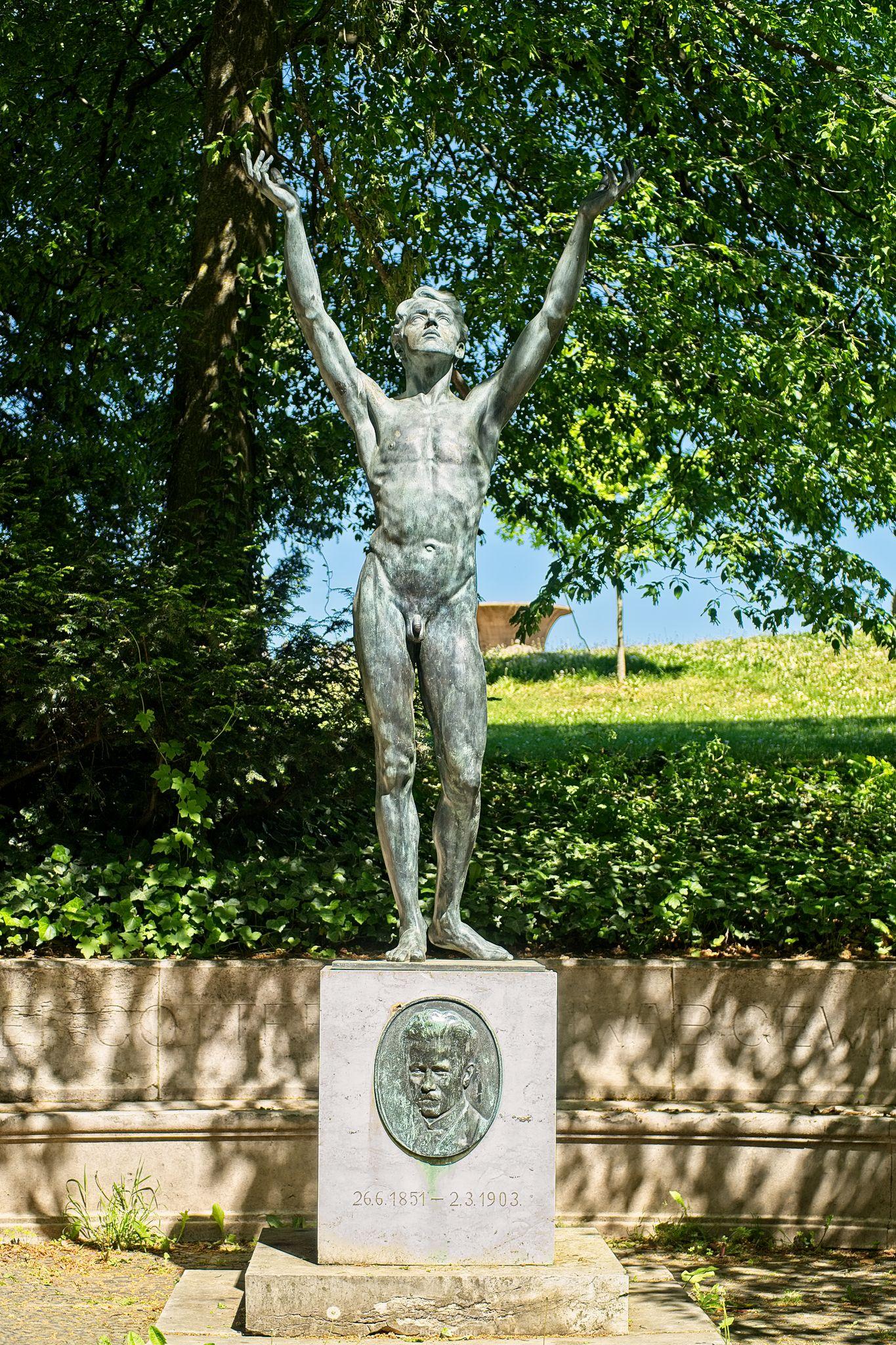 Skulptur am der Mathildenhöhe