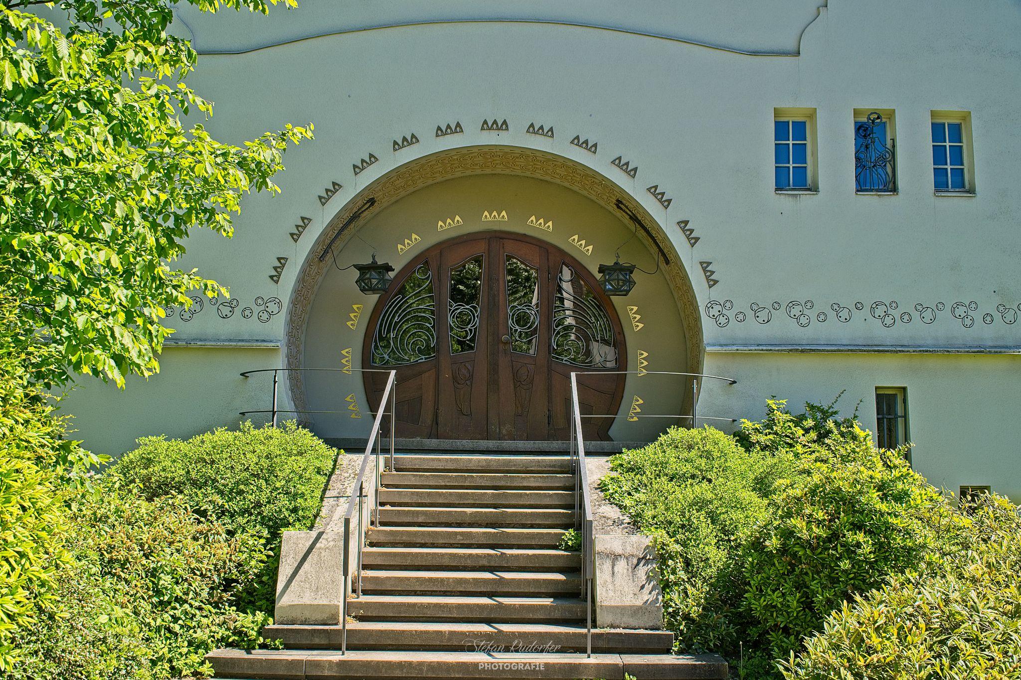 Eingangstüre zur Akademie