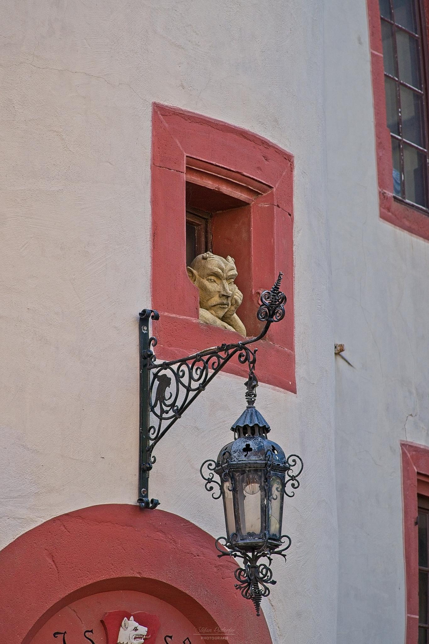 Portal mit Lampe