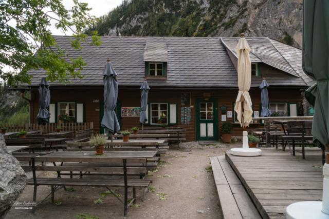 Silberkarhütte mit Terrasse
